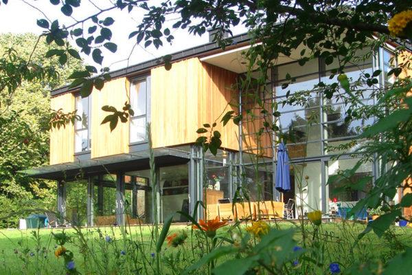 Haus TRM quer G45 Ansicht Süd Wiese